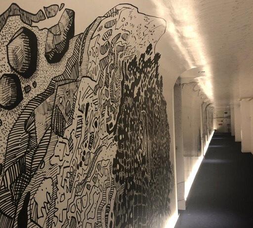 大岩オスカールの壁面絵