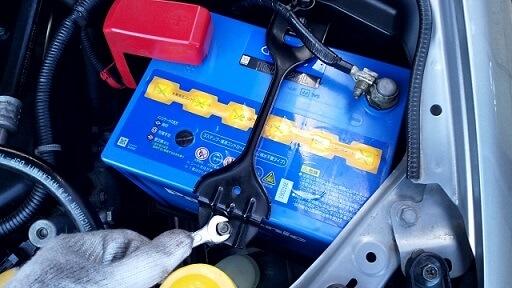 自動車の電源バッテリ