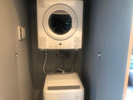 ザ・ヴィラ前浜ビーチの洗濯機と乾燥機