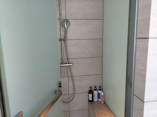 芦屋ベイコートスパの個室シャワールーム