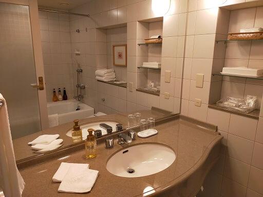 都ホテル岐阜長良川の独立洗面台